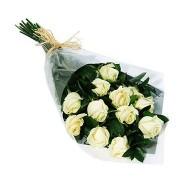 Bouquet de doce rosas blancas
